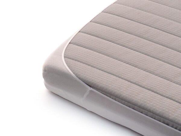 funda de colchón de cuna de algodón orgánico detalle lémur